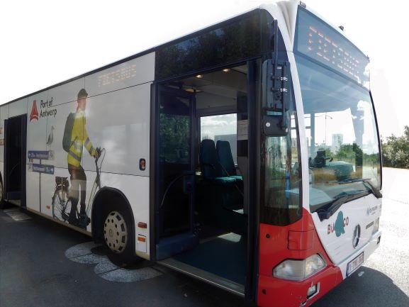 Havenbedrijf Antwerpen wil de mobiliteitsknoop ontwarren en zet daarvoor onder andere een Fietsbus in.